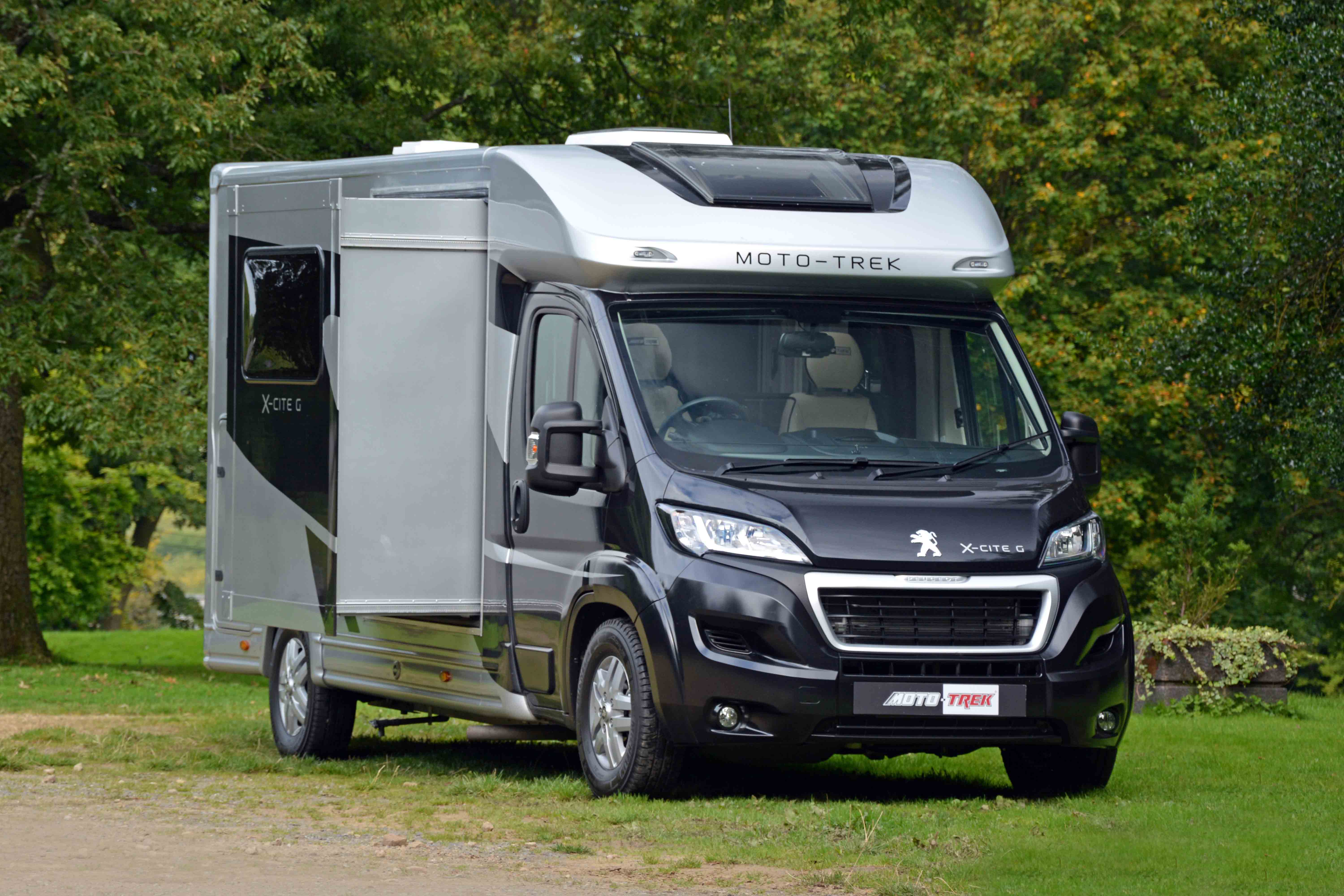 New Moto-Trek Motorhomes - The First 3 5t With A Slide Out Side