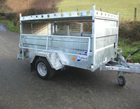 Q trailer with hinged mesh sides