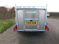 Q trailer from rear
